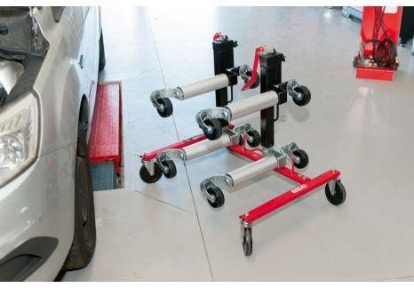Support pour 4 chariots de manutention pour véhicule